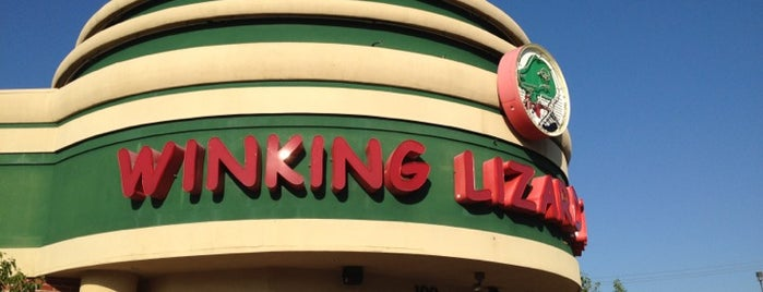 Winking Lizard Tavern is one of Cralieさんのお気に入りスポット.