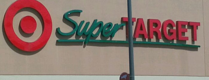 Target is one of สถานที่ที่ Wade ถูกใจ.