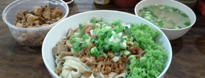 Bakmi Asiong is one of Jakarta's Favorite.