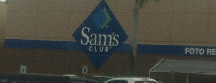 Sam's Club is one of Locais curtidos por Norah.