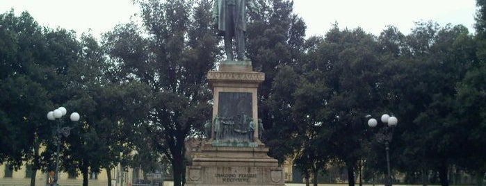 Piazza Indipendenza is one of 101 posti da vedere a Firenze prima di morire.