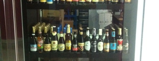 The Beer Club is one of Cervecerías www.thebeerclub.es.