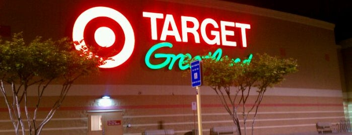 Target is one of Cyrenaさんのお気に入りスポット.