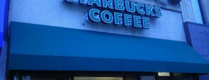 Starbucks is one of Lauren : понравившиеся места.