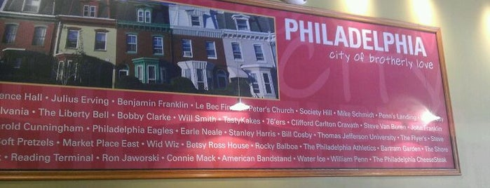 Charleys Philly Steaks is one of Lugares guardados de Lizzie.