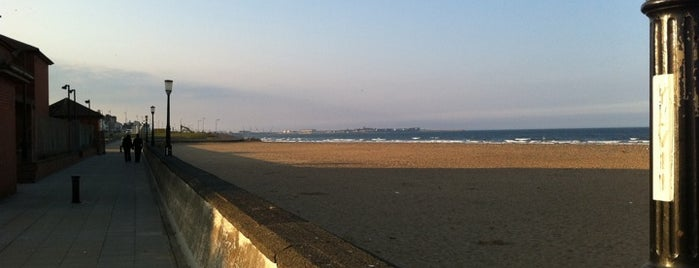 Seaton Carew is one of Posti che sono piaciuti a Carl.