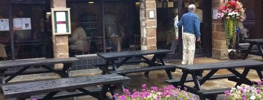 Ripley Castle Tearoom is one of Lieux qui ont plu à Maggie.