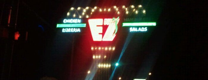 EZ's Restaurant is one of ATX: Lo mejor.