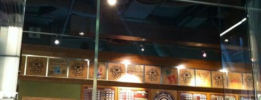 The Coffee Bean & Tea Leaf is one of kazahel 님이 좋아한 장소.