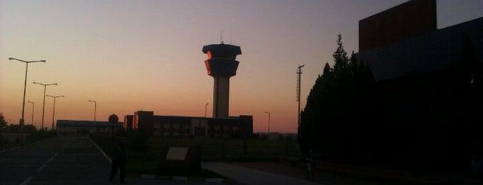 Nevşehir Kapadokya Havalimanı (NAV) is one of Türkiye'deki Havalimanları.