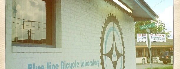 Blue Line Bike Lab is one of Andrewさんのお気に入りスポット.