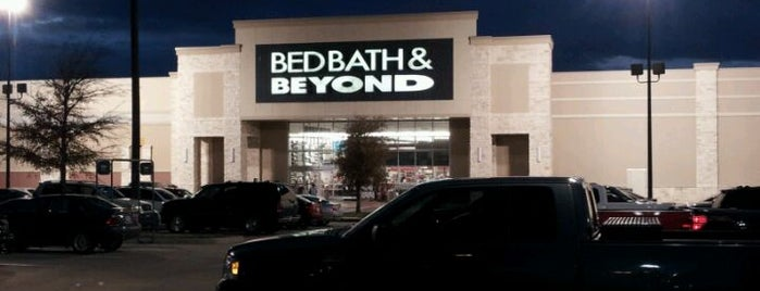 Bed Bath & Beyond is one of Orte, die Tammy gefallen.