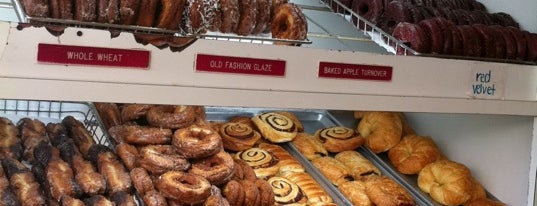 Peter Pan Donut & Pastry Shop is one of NYC food favs.