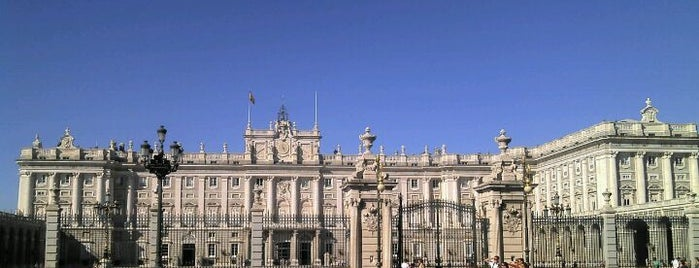 Palácio Real de Madri is one of mylifeisgorgeous in Madrid.