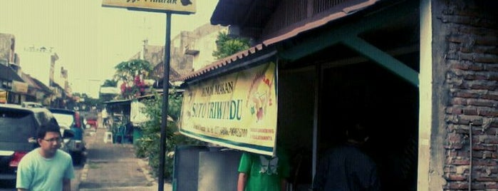 Soto Triwindu is one of Kuliner Solo.