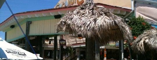 Coconut Cove is one of สถานที่ที่ Den ถูกใจ.