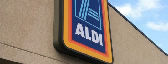 ALDI is one of Lieux qui ont plu à Jackie.