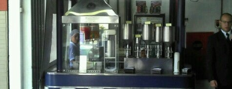 Cardetas Churros is one of Restaurantes :).