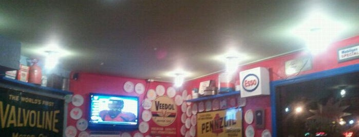 Fuel Pizza Cafe is one of Lugares favoritos de Greg.