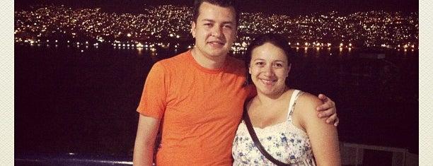 Acapulco city is one of สถานที่ที่ Henry D ถูกใจ.