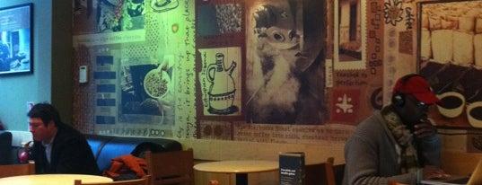 Starbucks is one of Chee 님이 좋아한 장소.