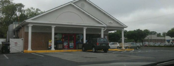 Turkey Hill Minit Markets is one of Lugares favoritos de Scott.