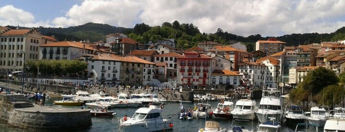 Mundaka is one of Alojamiento en Mundaka.