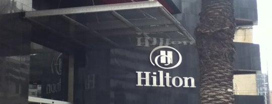 Hilton Bogotá is one of Orte, die Ricardo gefallen.