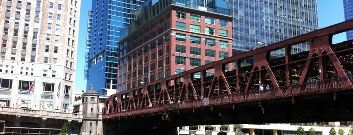 Wells Street Bridge is one of Brandon 님이 좋아한 장소.