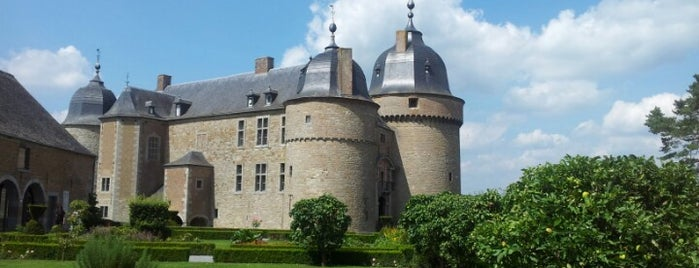 Château de Lavaux-Sainte-Anne is one of Nearby.