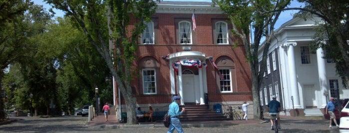 Nantucket Main Street is one of Orte, die Nick gefallen.