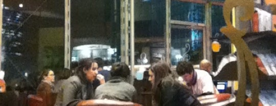 Starbucks is one of Posti che sono piaciuti a Clem.