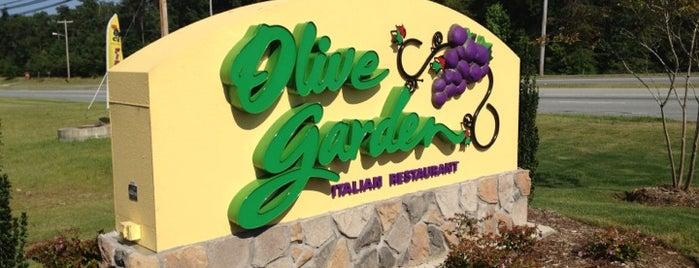 Olive Garden is one of Lugares favoritos de Katrina.