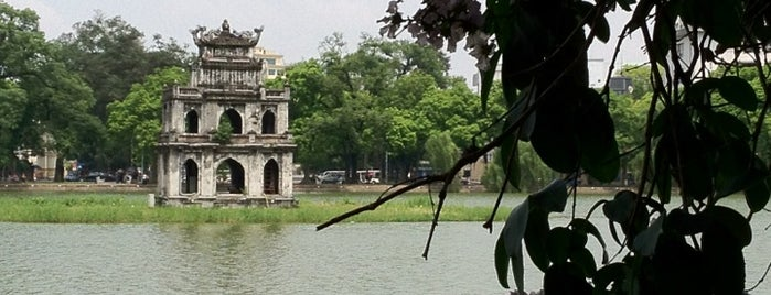Hồ Hoàn Kiếm (Hoan Kiem Lake) is one of Places In Hanoi.