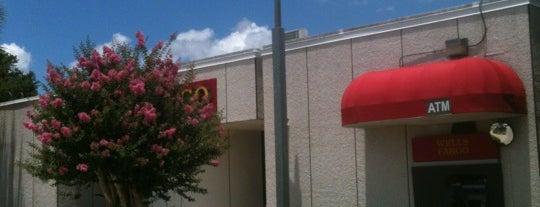 Wells Fargo is one of Orte, die barbee gefallen.