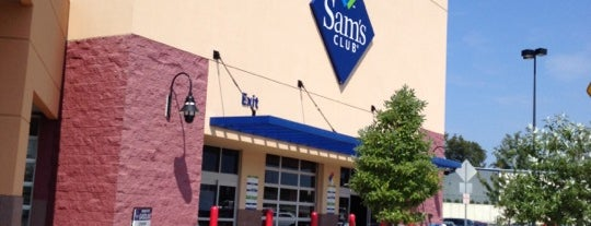 Sam's Club is one of Leslie 님이 좋아한 장소.
