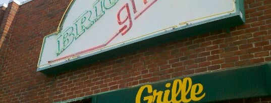 Brion's Grille is one of Posti che sono piaciuti a S.