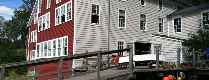 Lowell's Boat Shop is one of Partners in Preservation-Boston.