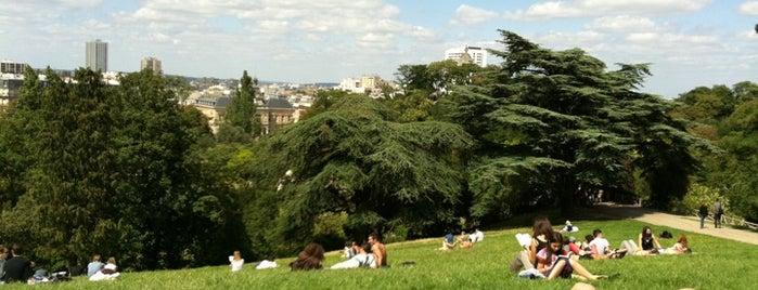 Parc des Buttes-Chaumont is one of Paris.