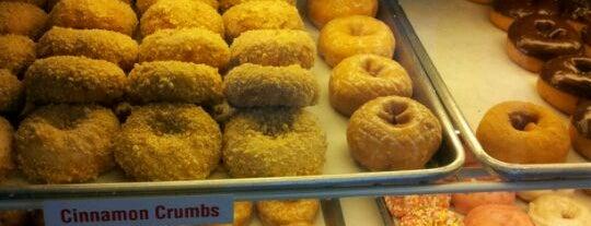 Donut World is one of Lieux sauvegardés par Janessa.