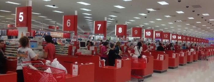 Target is one of สถานที่ที่ Leslie ถูกใจ.