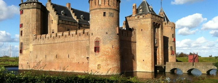 Muiderslot is one of Locais curtidos por Can.