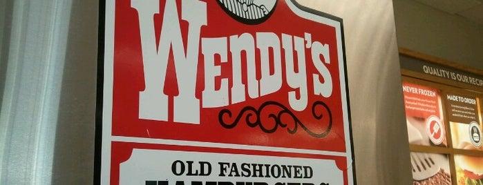 Wendy's is one of สถานที่ที่ Daron ถูกใจ.