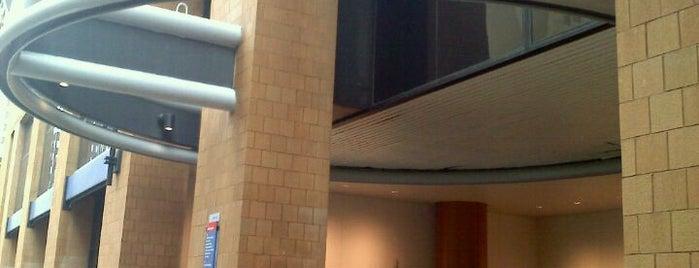 Thomas Jefferson University Hospital is one of Locais curtidos por Stan.