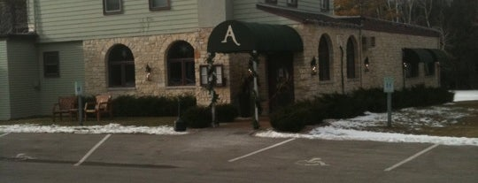 Alexander's Restaurant is one of Shelleyさんのお気に入りスポット.