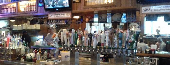 Miller's Ale House - Naples is one of Locais salvos de Jenna.
