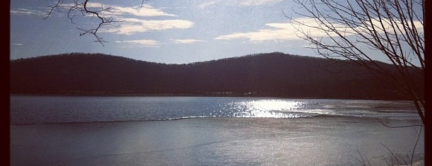 Rockland Lake State Park is one of Upstate.