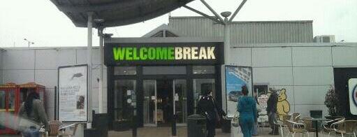 Newport Pagnell Southbound Services (Welcome Break) is one of Posti che sono piaciuti a Del.