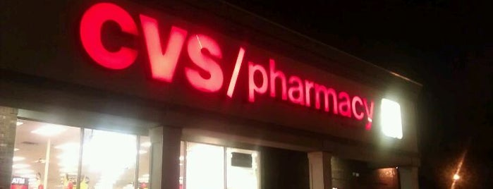 CVS pharmacy is one of Lugares favoritos de Maurice.