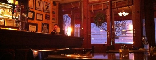 Oscar Cafe is one of Tempat yang Disimpan Danielle.